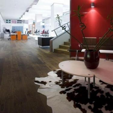 Паркетная доска Quick-Step Castello 1352 Дуб Coffee Brown Matt - купить в «Начни Ремонт» интернет-магазин — продажа напольных покрытий. - 1