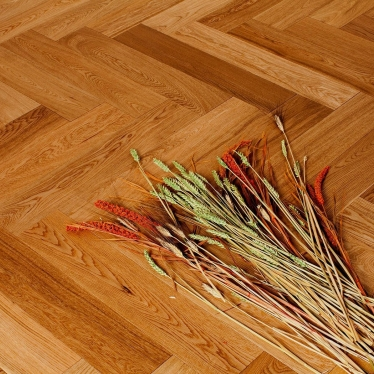 Паркет Ёлка Marco Ferutti Дуб натур - купить в «Начни Ремонт» интернет-магазин — продажа напольных покрытий. - 2