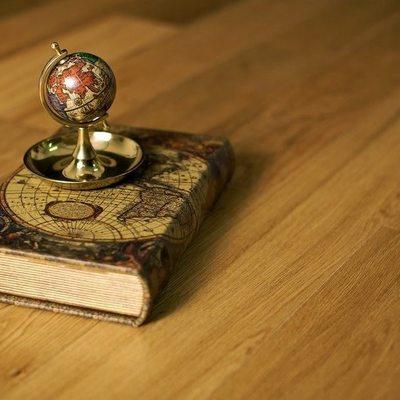 Массивная доска Amber Wood Дуб Бесцветный