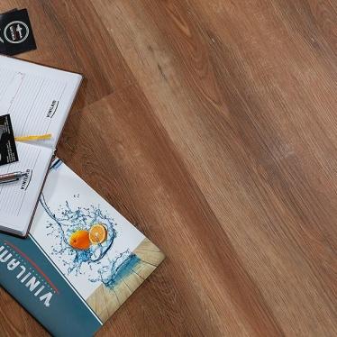 Виниловый ламинат Vinilam Дуб Сарагоса 5080 - купить в «Начни Ремонт» интернет-магазин — продажа напольных покрытий. - 9