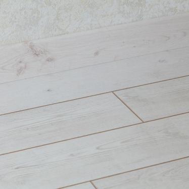 Ламинат Classen Сосна Милано 44018 - купить в «Начни Ремонт» интернет-магазин — продажа напольных покрытий. - 1