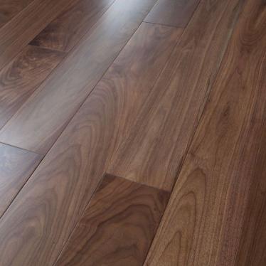 Массивная доска Magestik floor Орех Американский Селект - купить в «Начни Ремонт» интернет-магазин — продажа напольных покрытий.