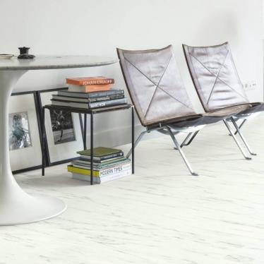 Виниловый ламинат Quick-Step Мрамор каррарский белый 40136 Ambient Click - купить в «Начни Ремонт» интернет-магазин — продажа напольных покрытий. - 5