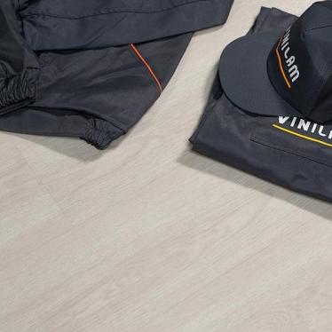 Виниловый ламинат Vinilam Дуб Валенсия 5990 - купить в «Начни Ремонт» интернет-магазин — продажа напольных покрытий.