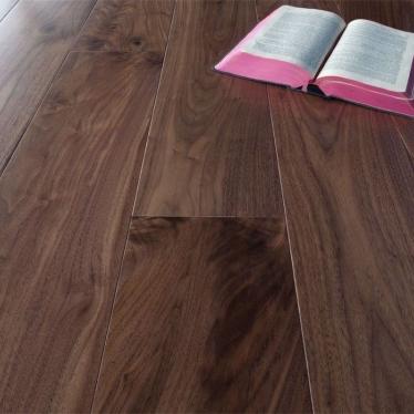 Массивная доска Magestik floor Орех Американский Натур - купить в «Начни Ремонт» интернет-магазин — продажа напольных покрытий.